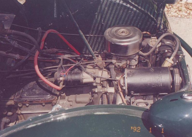 Citroen_2CV_Sahara_front_engine