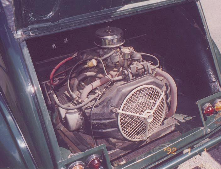 Citroen_2CV_Sahara_rear_engine